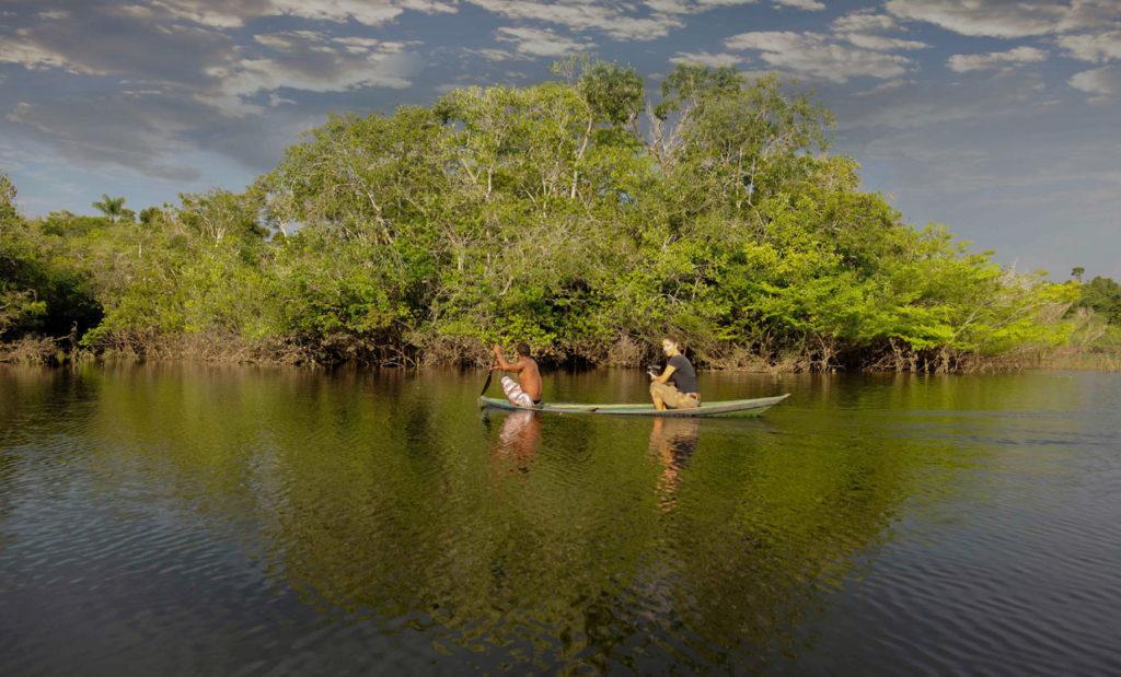 river- canoe- tourist-amazon
