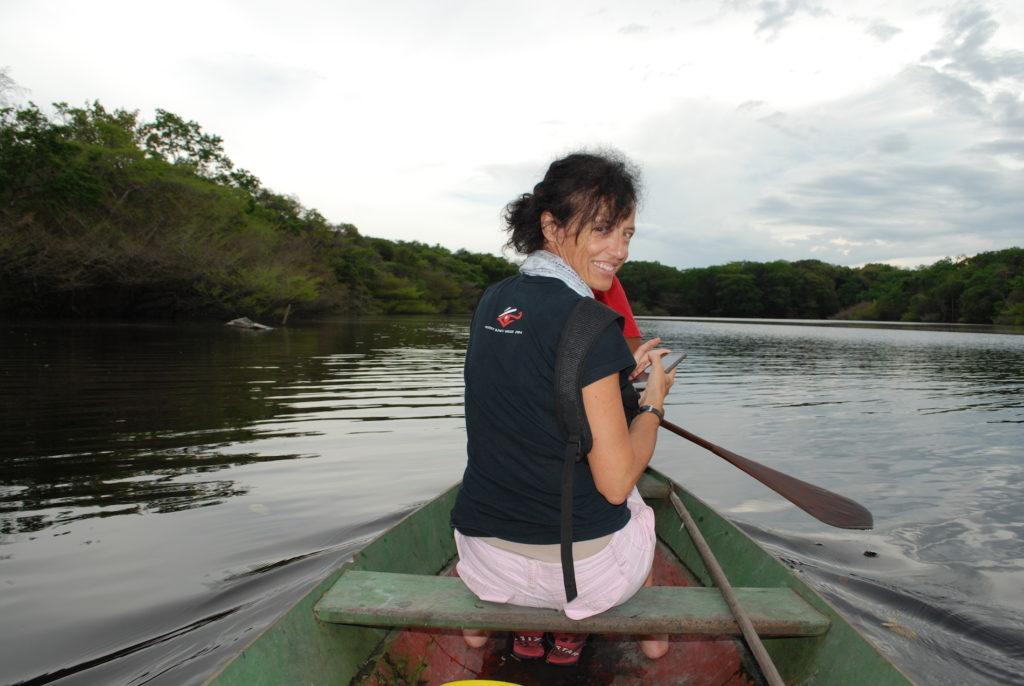 donna e fiume